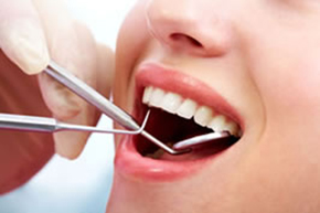 歯ぐきの状態を検査